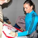 GADŻETY - koszulka z autografem Jeleny Isinbajewej dla firmy AchA Public Relations - Bydgoszcz