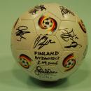 GADŻETY - piłka z autografami zespołu Finlandii - Bydgoszcz