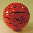 GADŻETY - 2 piłki z autografami koszykarzy z meczu Polska-Szwecja dla Motowszołek - Bydgoszcz