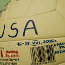 GADŻETY - piłka z autografami zespołu USA dla firmy IGS - Bydgoszcz